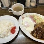洋食マルヤ - Bランチ(ハーフチキンカツ)