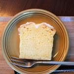 ペリカンコーヒー - レモンのパウンドケーキ