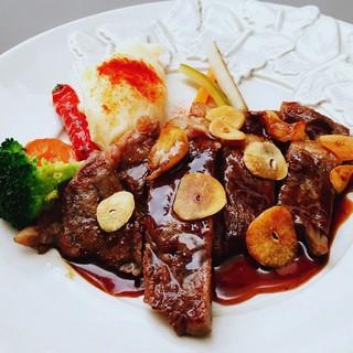 肉料理など10種以上から選べるグリル!1200円~