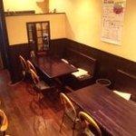 バー ボア ビアジェン - テーブル席もあります。