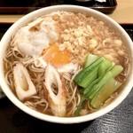 藤の家 - たぬきそば(600円)+中盛(50円)+生玉子(50円)