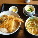 むぎの里 - 料理写真:天丼のランチセット茶わん蒸し付き(ご飯大盛)880円(税別)