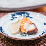 照寿司 - 大分県 天然鰻の山椒煮、 豊前の蛸、クマ海老(足赤海老)、 北九州藍島の鮑