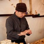 綾元 - ぜひ国産白ワインとお寿司の組み合わせをご堪能下さい。by店主