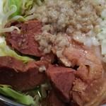 麺屋 桐龍 - うで、バラの豚肉