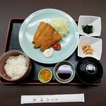 赤坂 三河家 - 豊洲発 活きアジフライ定食全景
