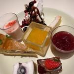 サロンドスイーツ - 3皿目のデザート