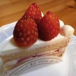 10199755 - 苺のショートケーキ