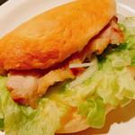 ノア・ド・ココ - 料理写真:「チキンステーキサンド(150円)」