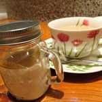 Agio - ランチセットのデザートのバナナのパンナコッタと、ドリンクは紅茶(ホット)