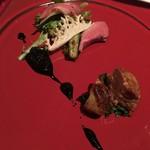 かみくら - フォアグラのポアレと鴨のサラダ クルミのヴィネグレット