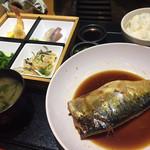 102007103 - 本日の日替わり定食780円 サバの煮付けがめちゃ大きいです。