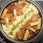 102009918 - 具材は鶏肉、トッポギ、ジャガイモ、シメジ、ヤングコーン