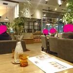 cafe Clap - お店内観