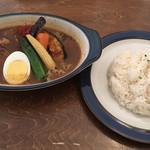102015511 - 炭焼き角煮カレー(中辛・ライス小)