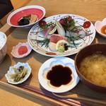 小割烹 おはし - お刺身御膳 1580円 税別