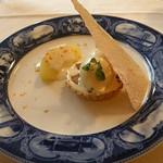 Yokohamamotomachimutekirou - リンゴのタルトレットとカルバドス酒のアイスクリーム