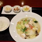 中国料理 千琇 - 海鮮五目あんかけセット(焼きそば)