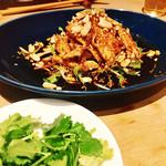 凛丹 一碗居 - 『蒸し鶏の山椒唐辛子辣油ソースよだれ鶏』様