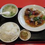 元町牡丹園 - 【ランチ】 酢豚定食 \780