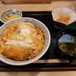 丼多来 - 料理写真:かつ丼(780円)
