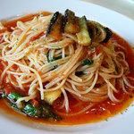 フェリーチェ - 【ランチ】 野菜がたっぷりのトマトソースのパスタ\1100を大盛+\200