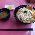 カジュアルレストラン ワインクラブ - 料理写真:煮カツ丼(720円)