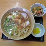 ワコウ - 料理写真:きしめん withすきやき風ぶた煮