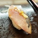 あかめ寿司 - 鰺