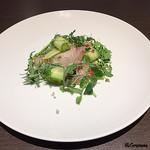 Yui - 梶木鮪の自家製加熱ハムのハーブサラダ