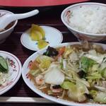榕城  - 料理写真:野菜炒め定食