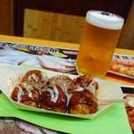 たこやき座 - たこ焼き 特小6個400円(多分税別)&生ビール小350円