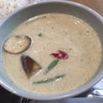 マンゴツリーカフェ - グリーンミルクカレーのアップ