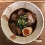 Membisutoronakano - 黒しょうゆ麺 750円