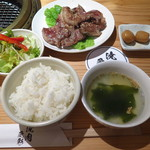 102088699 - 牛筋カルビ焼き750円(税込)