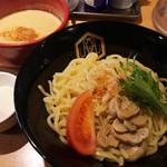えびそば えび助 - とにかくクリーミィ オマール海老のクリームつけ麺(980円)