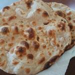 パミールマート - ・Shalgam Gosht の Roti