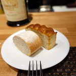 102096799 - サンデーランチ、パン2種