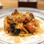 102096871 - サンデーランチ、ストロッツァプレーティ真蛸のトマト煮込みソース