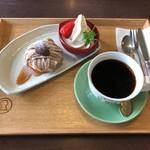 カフェ イロハ - 渋皮栗のモンブランセット 972円