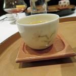 飄香 - 老鷹茶 日本ではほとんど流通していないようですこのお茶は