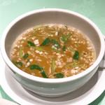 102109156 - 【2019年02月】豚角煮カレー@1,200円、添付のスープ。