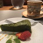 102112052 - 抹茶のガトーショコラとエスプレッソ