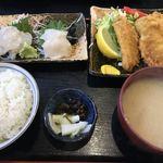 鈴女 - 料理写真:平目刺身とアジフライ定食 ¥1,600-
