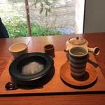 102115161 - 特製くずもちと煎茶のセット♪