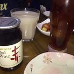 韓国の味 - カップワインなんて飲んでやがる(自分が)