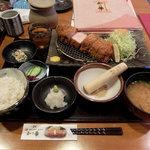 102125742 - 極上ロースかつ定食(2,380円)