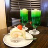 こけし屋 - 料理写真:イチゴロールケーキとクリームソーダ。