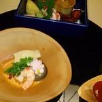 鴻朧館  - 料理写真:小蛸姿煮や花蓮根、河豚の西京焼きなどの八寸