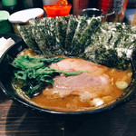 クックら - 料理写真:麺固め油多め海苔増し中盛とライス